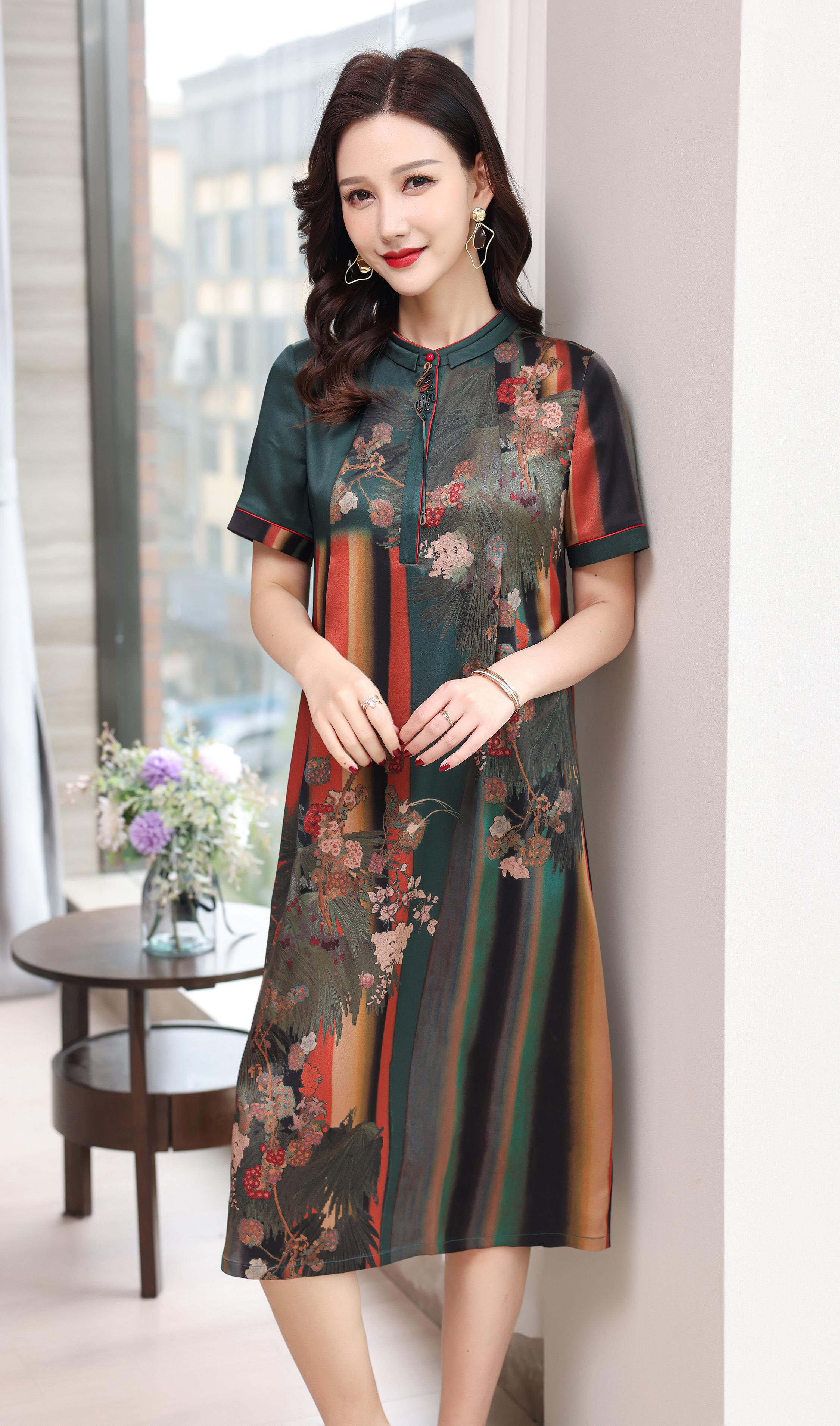 川美 桑蚕丝圆领气质连衣裙(短袖)  68896D 绿